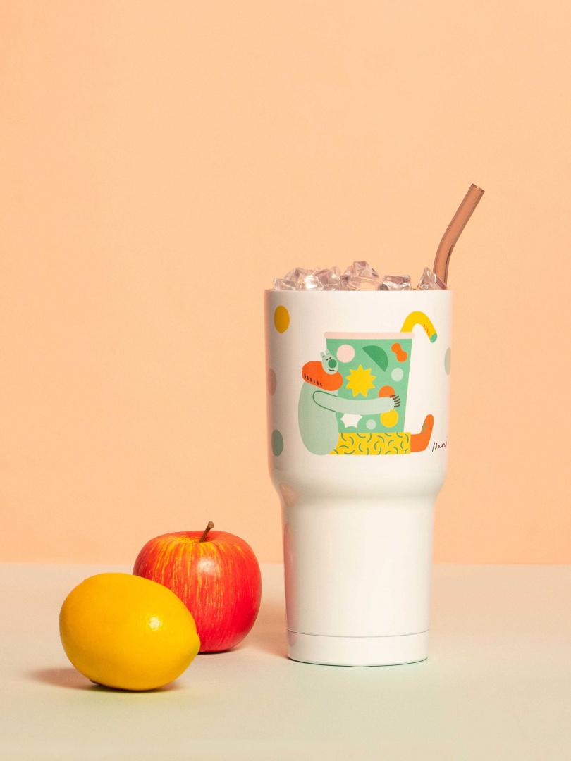 「今日攝取足夠的總水量了嗎?」 常問今天的自己有好好的喝水嗎,腦袋裡接著計算早晨還喝了杯咖啡、吃了顆蘋果,喝飲料也喝水,擁抱每日所需。