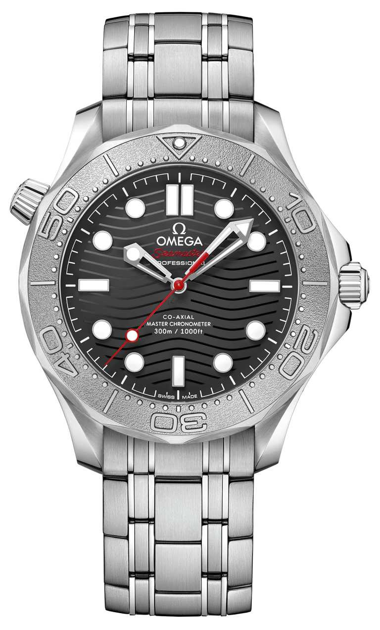 OMEGA「Seamaster海馬」系列,潛水300米NEKTON版腕錶╱不鏽鋼錶殼,42mm,8806型同軸擒縱機芯,不鏽鋼鍊帶╱201,500元。(圖╱OMEGA提供)