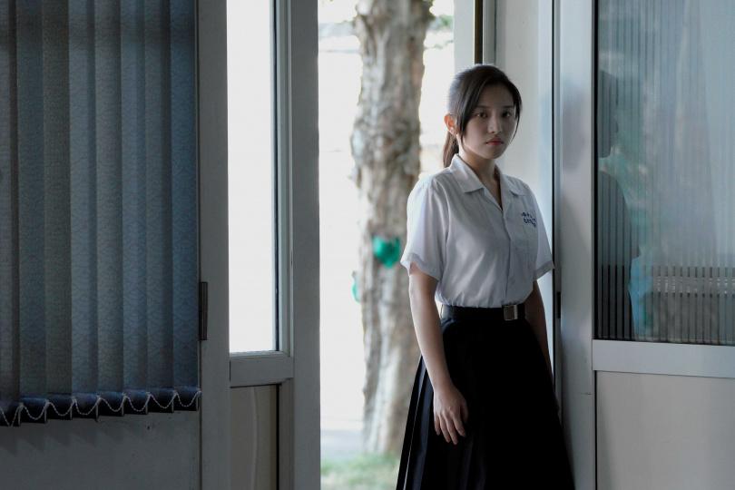 「北影非常新人」蔡瑞雪飾演撲克臉班長蘇婕妤。(圖/公視提供)
