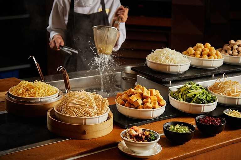 香格里拉台南遠東飯店高鐵方案享自助早餐買一送一優惠。