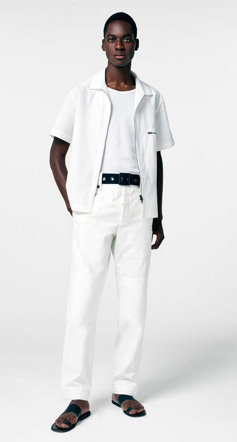 春夏系列面料服裝有90%使用一線精品循環再利用布料,以行動支持永續環保。(圖╱Peter Wu提供)