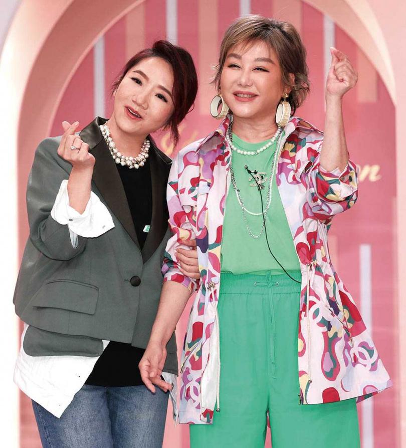 同為天蠍座的陶晶瑩和藍心湄,相識超過20年,陶晶瑩也曾投資對方經營的川菜館。(圖/TVBS提供)