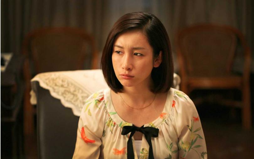 秦海璐在《假如生活欺騙了你》飾演富家千金。(圖/年代提供)
