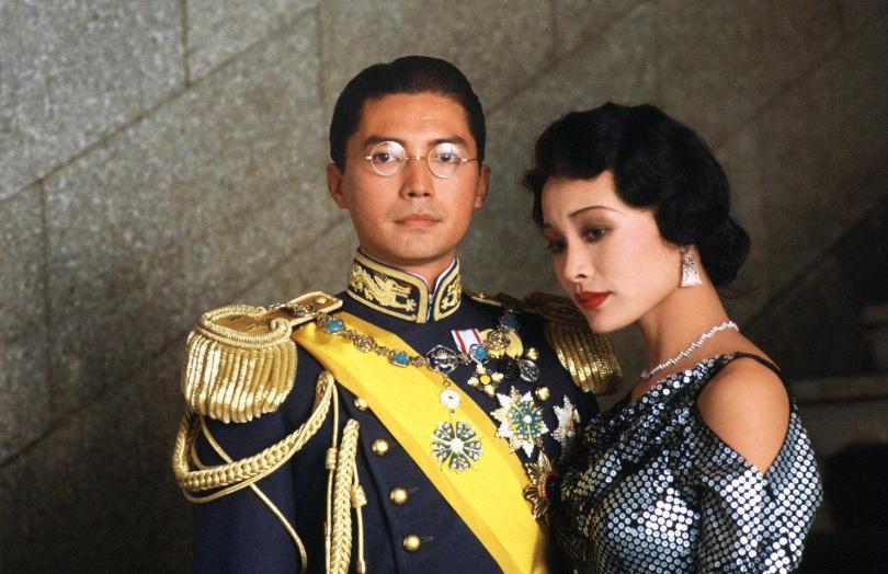 尊龍和陳冲因演出此片而聲名大噪,成為第一對登上奧斯卡舞台頒獎的華裔影星。(圖/甲上娛樂提供)