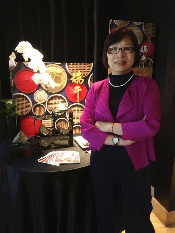 人稱「阿珠姐」的資深中餐服務協理蔡燕珠。(圖/台北晶華酒店提供)