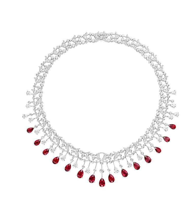 CHAUMET「083514 Soir de Fête」18K白金珠寶項鍊,價格店洽。(圖╱台北101提供)