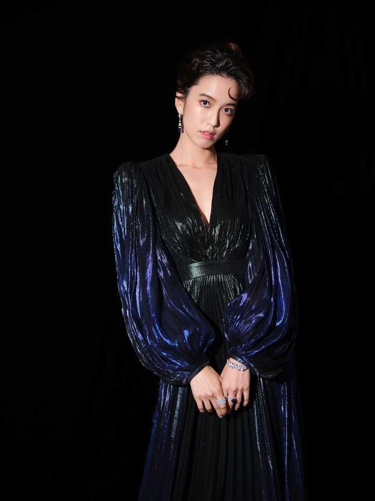「2020台北電影節」影展大使陳庭妮,佩戴總價約23,000,000元的卡地亞頂級珠寶登上紅毯。(圖╱Cartier提供)