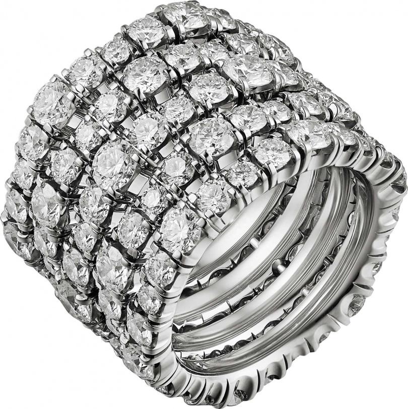 Cartier「頂級珠寶系列」鑽石戒指╱2顆枕形切割馬達加斯加藍寶石、縞瑪瑙及鑽石╱8,900,000元。(圖╱Cartier提供)