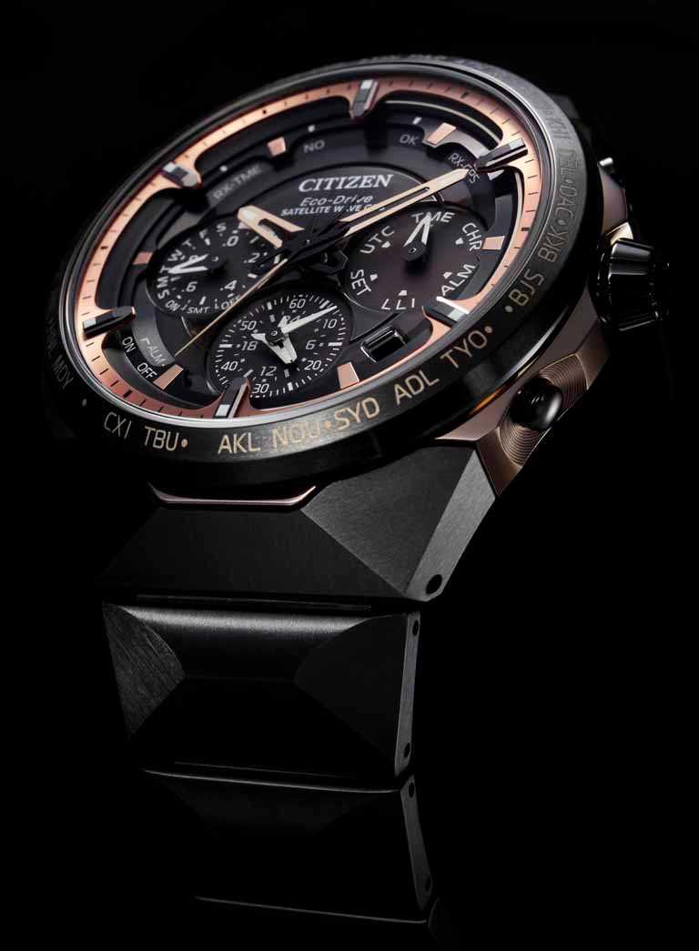 CITIZEN「CC4025-82E」旗艦紀念限量腕錶,鈦金屬錶殼,47.5mm,光動能GPS衛星對時機芯,限量550只(全台限量2只)╱158,000元。(圖╱CITIZEN提供)