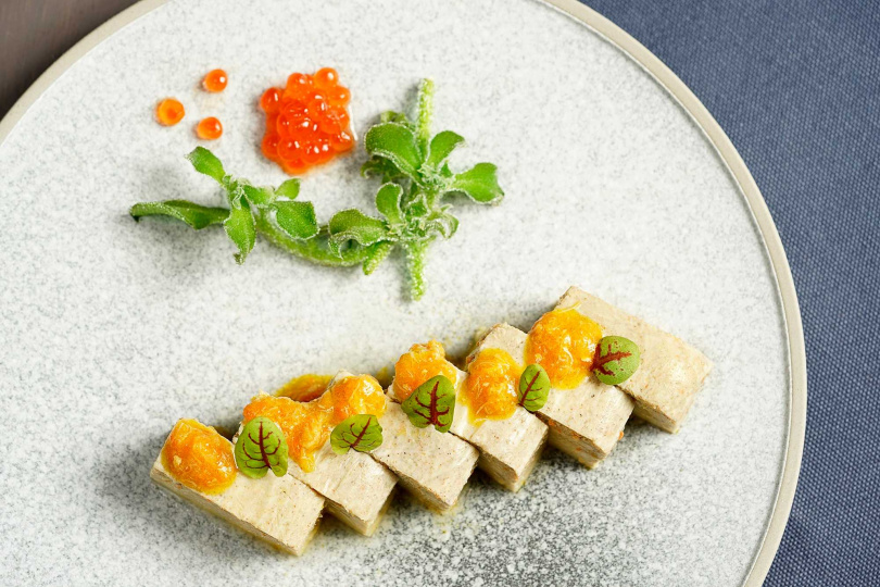 鮭卵蟹豆腐。(圖/THE上海提供)