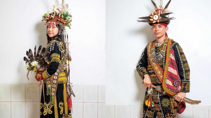 排灣族的男女結婚服飾,會搭配象徵尊貴的熊鷹羽毛,與意味女貞潔、男英勇的百合花所製成的扇子。(圖/宋岱融攝)