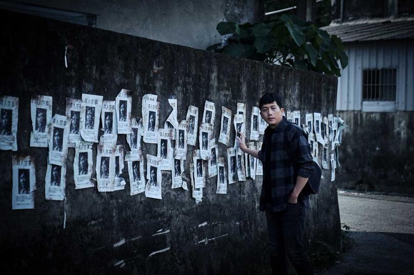 莫子儀為《追兇500天》偵訊橋段特地鑽研犯罪心理學。(圖/七十六号原子)