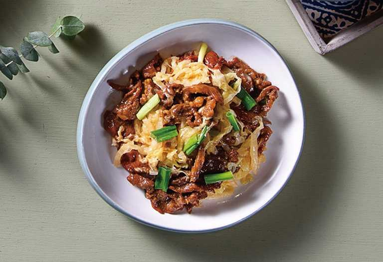 「飯Bar智作」以每週七天菜單為主題,每天都推出不同新菜色套餐。