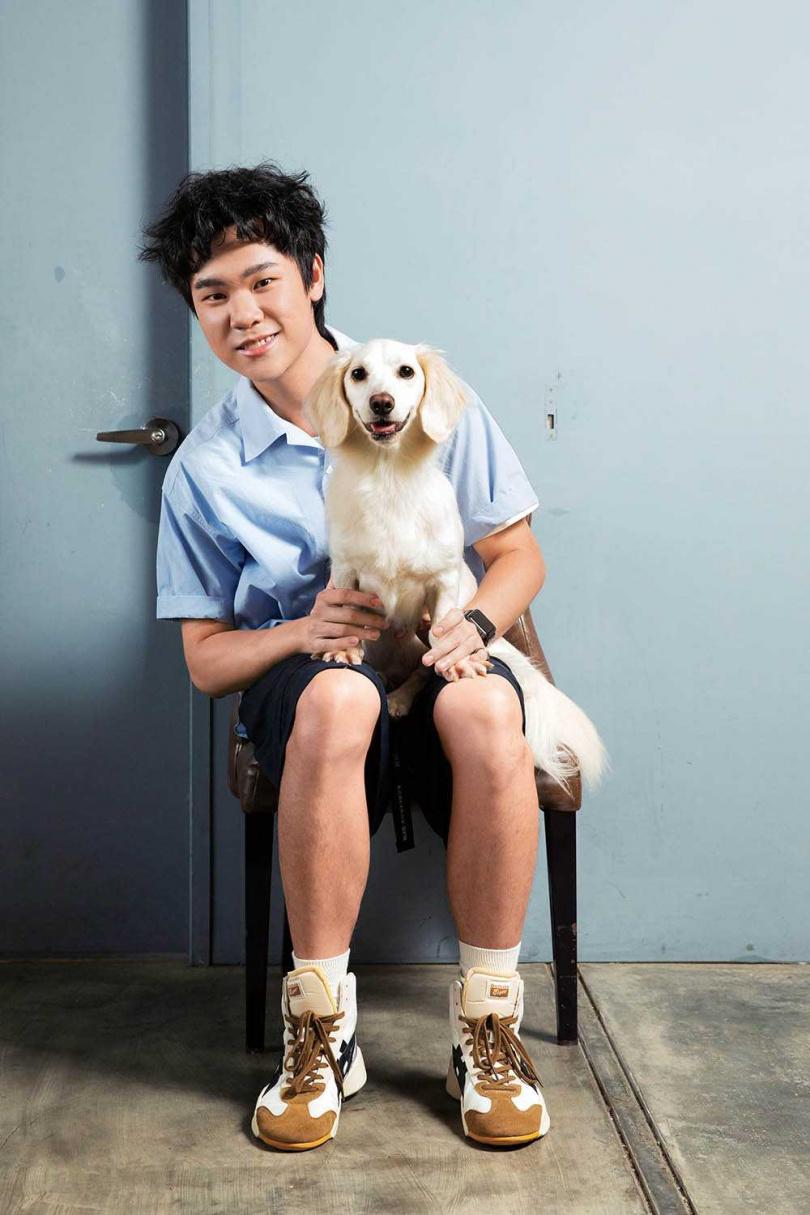 蔡明仁表示,取名「Friday」是因為他曾養過一隻狗叫「Sunday」,希望可以「養齊一整個星期」。(圖/彭子桓攝)