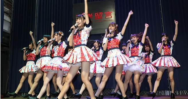 AKB48 Team TP現場唱跳新歌〈TTP Festival〉。(圖/林勝發攝)