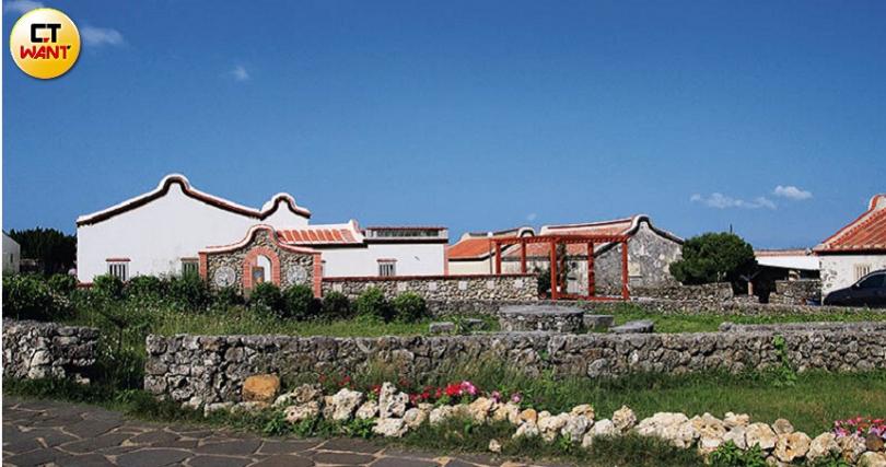 充滿閩式風情的「二坎聚落」,是全台最完整聚落保存區,值得一遊。(圖/官其蓁攝)