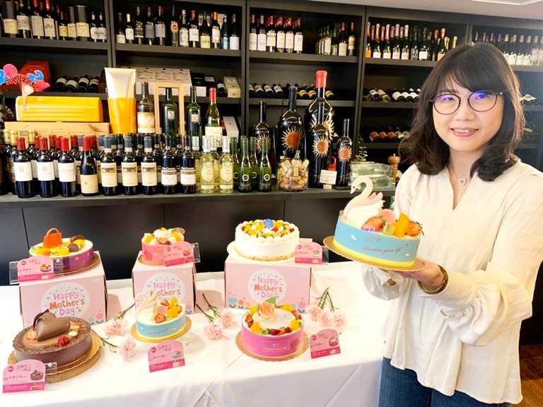 即日起至5月9日只要85 Cafe APP會員購買任一母親節主題款蛋糕,還可參加包括Dyson吹風機、Dyson吸塵器等多種獎項抽獎。