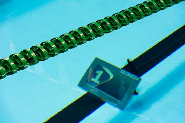 透過設於泳池周圍的圖像追蹤攝影機,可追蹤每位泳手的動作。(圖╱OMEGA提供)