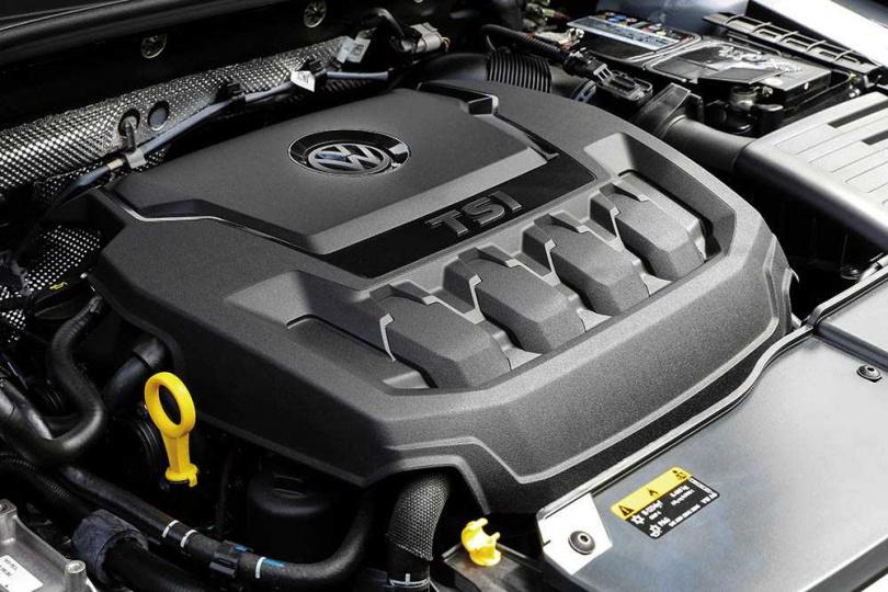 T-ROC搭載直四EA888渦輪引擎及DSG自手排變速箱,換檔間毫無頓挫,動力隨傳隨到。(圖/王永泰攝)