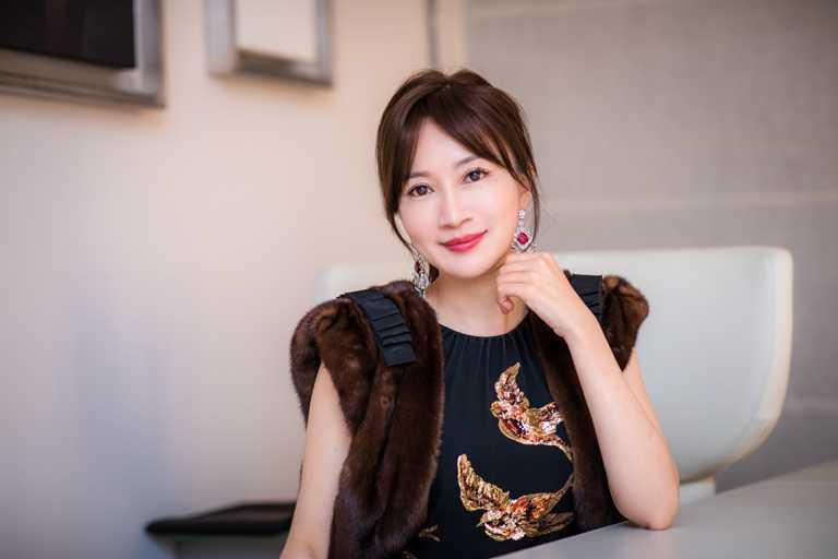 華裔當代珠寶藝術家品牌ANNA HU創始人及首席執行官,出身台灣的藝術珠寶設計師胡茵菲。(圖╱ANNA HU提供)