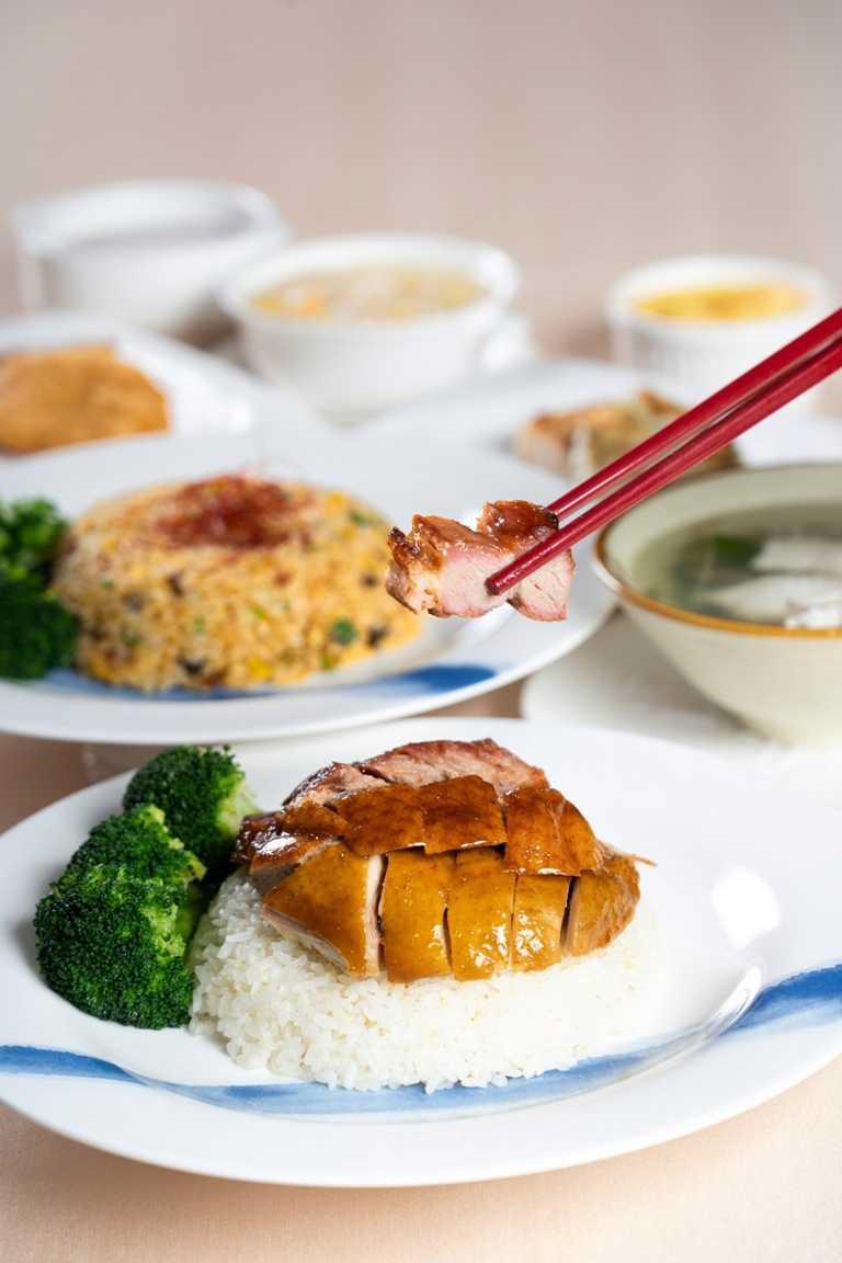 義大皇家酒店皇樓中餐廳提供多樣港式料理外帶服務。