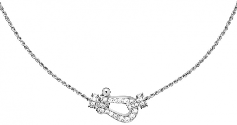 FRED「Force 10」經典鍊釦系列,白金鑲鑽項鍊╱151,100元。(圖╱FRED提供)