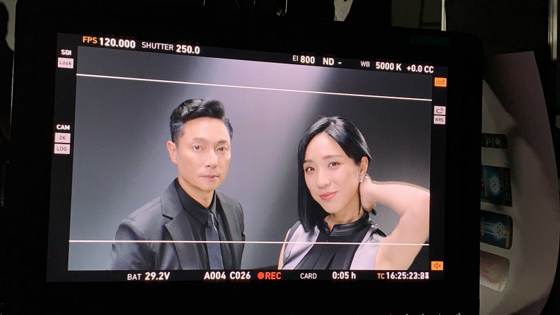 梁舒涵與謝祖武合作洗髮精廣告。(圖/LiTV、開麗提供)