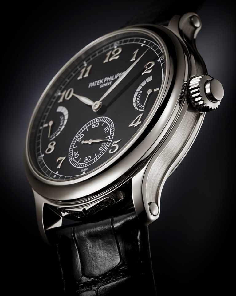 PATEK PHILIPPE「6301P」大自鳴腕錶,950鉑金錶殼,44.8mm╱價格店洽。(圖╱PATEK PHILIPPE提供)