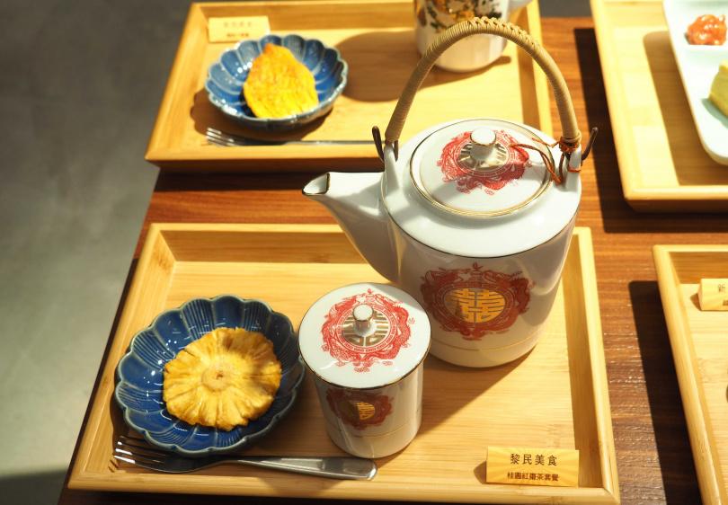 「黎民美食」系列:桂圓紅棗茶+古早味小點。(180元)