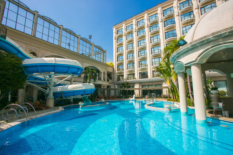 消費者只要入住義大皇家酒店,即可享受上千坪的飯店設施。