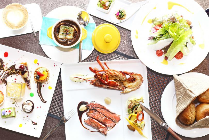 蘿拉牛排館推出的「優惠雙人海陸套餐」,非常適合情侶來享用!