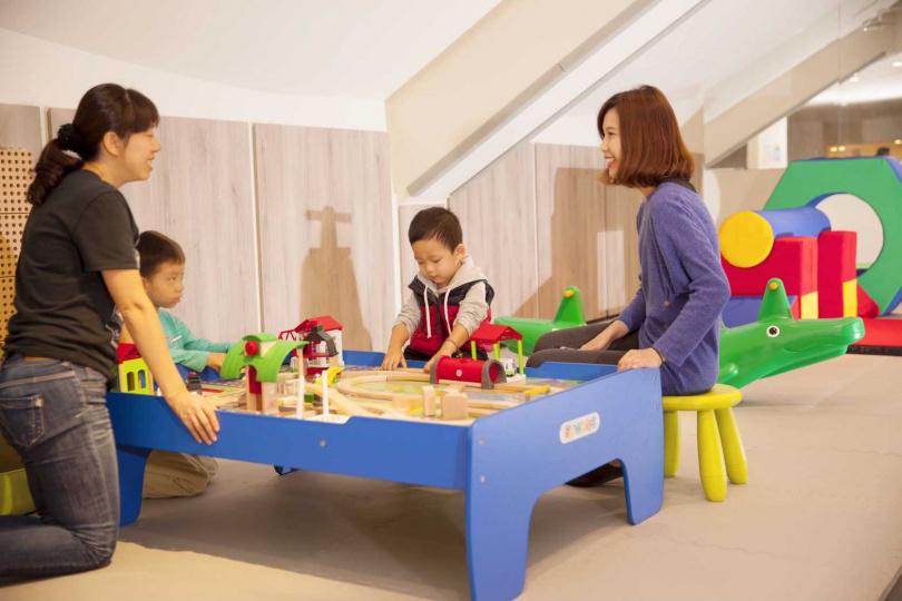 石門水庫福華渡假飯店--兒童遊戲區。