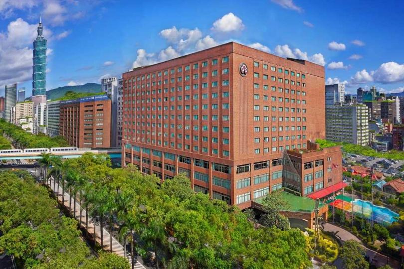 台北福華大飯店外觀。