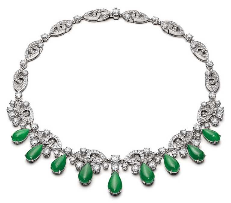 BVLGARI「Serpenti Misteriosi」頂級鑽石與翡翠項鍊╱43,000,000元。(圖╱BVLGARI提供)