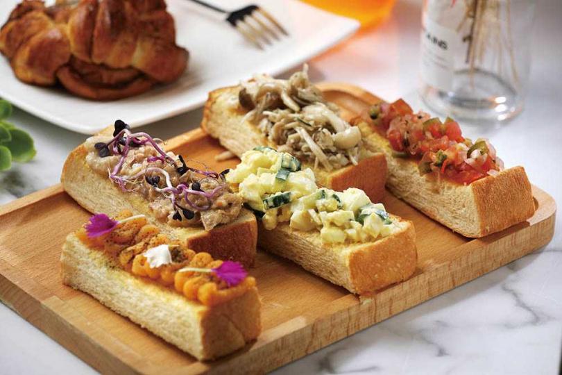 「手指山明治」有地瓜泥佐茶粉、招牌蛋沙拉等共5種口味,營養好吃。(135元)。(圖/于魯光攝)