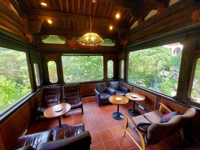 擁有三面窗的角落是蘭苑最受歡迎的座位區。