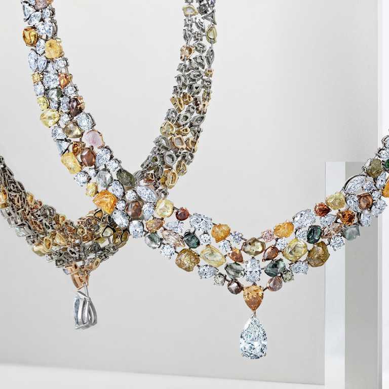 DE BEERS「Soothing Lotus」系列,頂級珠寶鑽石項鍊╱43,000,000元。(圖╱DE BEERS提供)