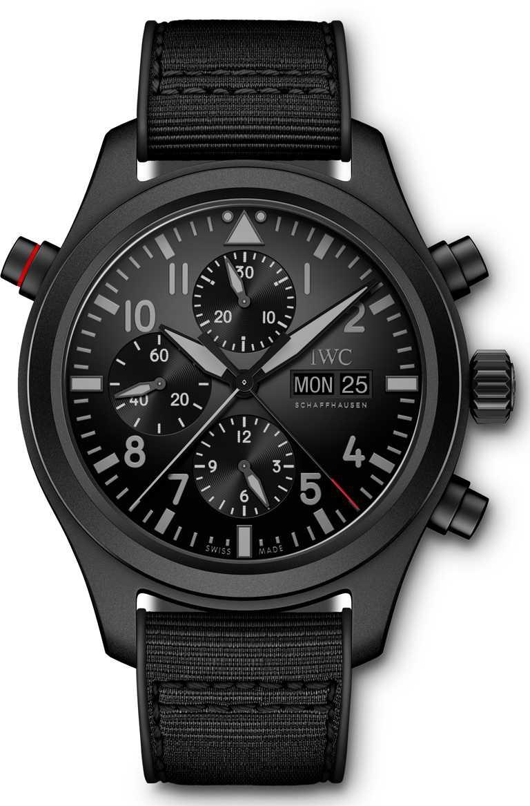 IWC「Top Gun海軍空戰部隊飛行員」系列,瓷化鈦金屬追針計時腕錶,型號IW371815。(圖╱IWC提供)