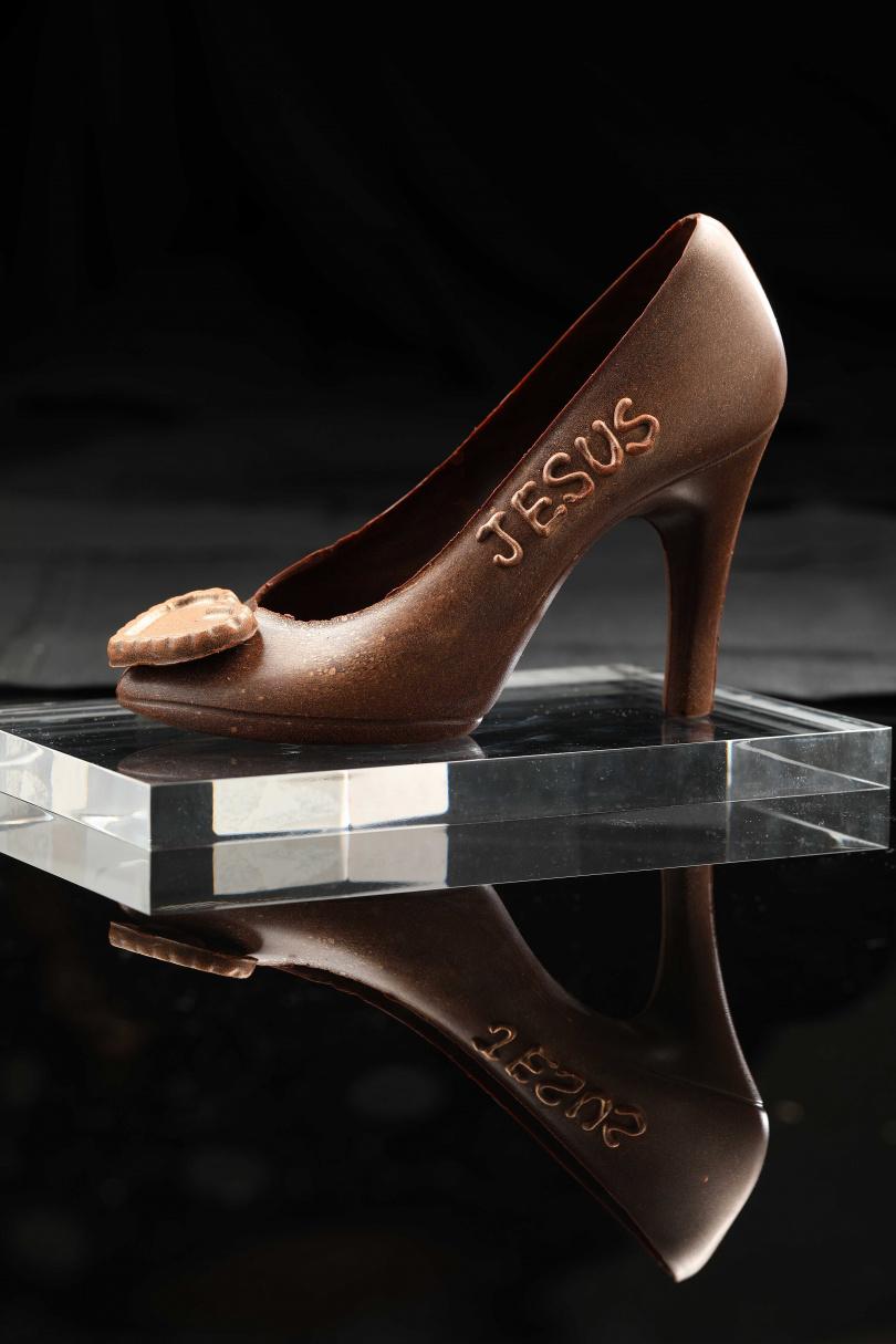 女孩們心目中的夢幻逸品「仙履奇緣巧克力鞋」。(890元,客製名字加收150元)