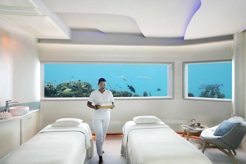 「馬爾地夫芙花芬島度假酒店」擁有全球難得的海底水療。