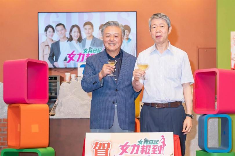 TVBS董事長張孝威、副董事長陳剛信出席慶功宴。 (圖/TVBS提供)