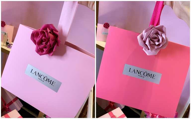 非常時髦的手拿包摺帶式禮盒包裝,再點綴上麂皮擴香玫瑰,提著它走在街上會不會太放閃XD。(圖/吳雅鈴攝影)