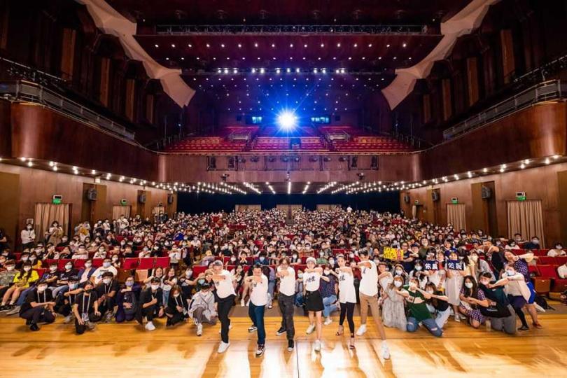 柯震東及林依晨、監製柴智屏及出品人柯耀宗都出席北影首映。(圖/台北電影節提供提供)