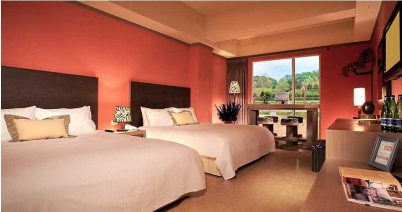 每日限量15間的「樂園Fun心遊」可入住剛果藍天客房,含六福村兩日入園手環。(圖/六福旅遊集團)