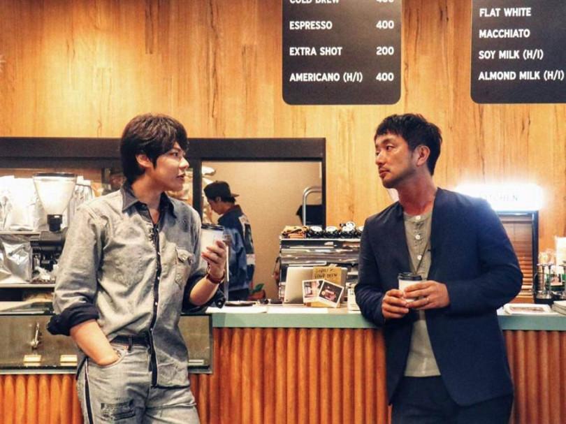土井地博帶李佑群到東京潮流聖地Shares Greens喝咖啡。(想徹國際提供)