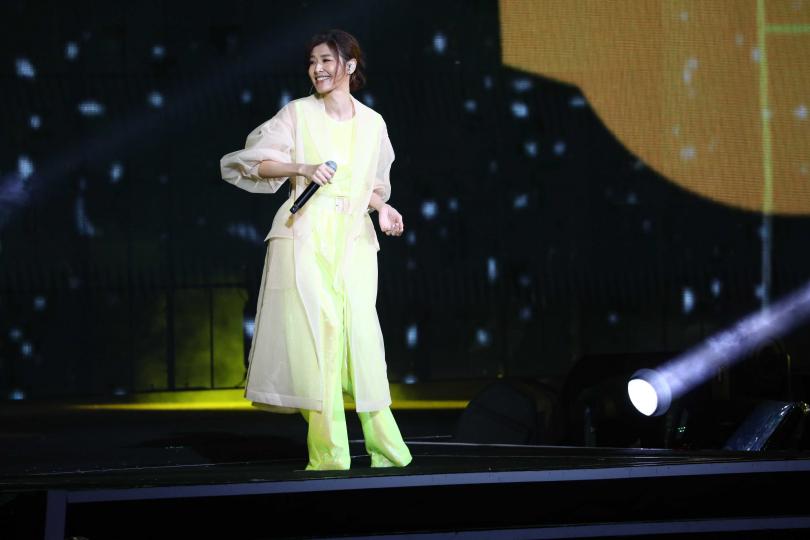 蘇慧倫睽違多年回歸跨年舞台,被主持人黃子佼笑稱是「活化石」。(圖/攝影彭子桓)