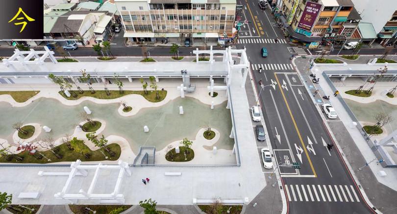 【新建】109年打造為全新「河樂廣場」,為「世界七大令人期待公園」。