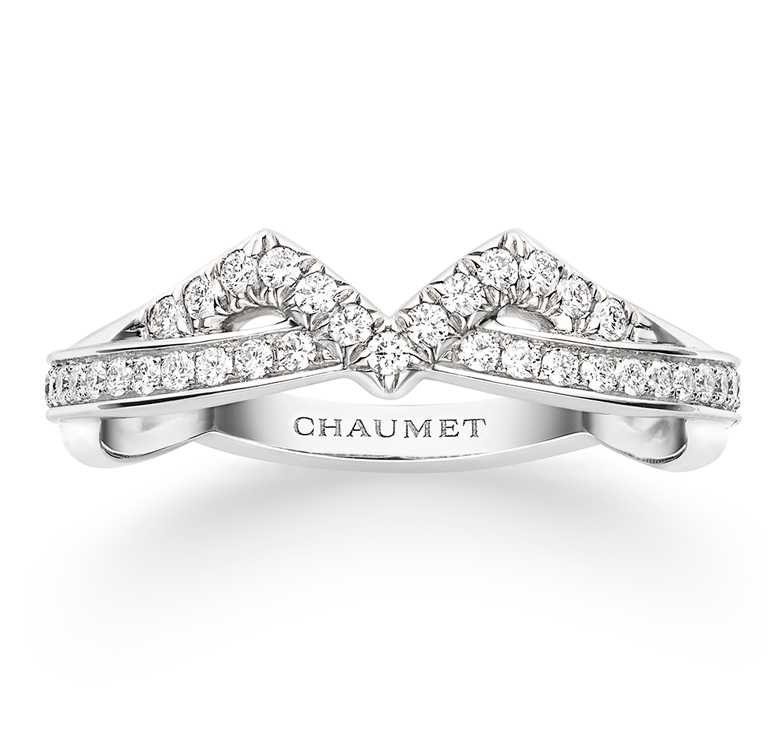 CHAUMET「Joséphine Amour d'Aigrett系列」鉑金鑽戒╱152,000元。(圖╱CHAUMET提供)