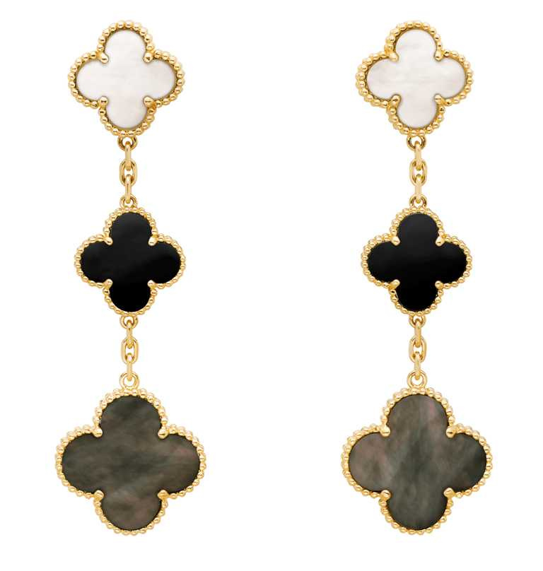 Van Cleef & Arpels「Magic Alhambra系列」黃K金灰色珍珠母貝及縞瑪瑙耳環╱241,000元。(圖╱Van Cleef & Arpels提供)