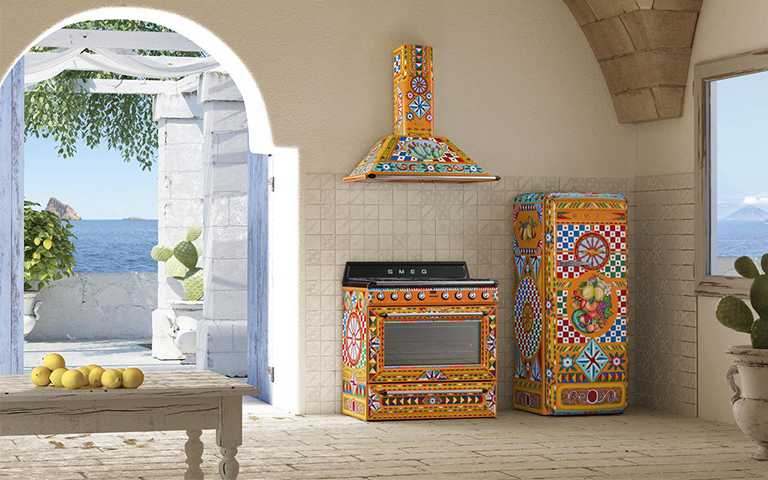 Smeg x Dolce Gabbana Sicily Is My Love限量聯名系列,台灣僅有冰箱NT468,000(圖/鈞霈公關提供)